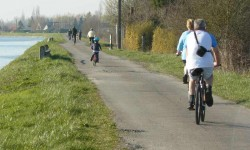 Vélo en famille.